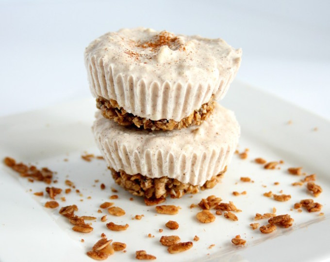 Cinnamon-Roll-Frozen-Yogurt-Cupcakes-3
